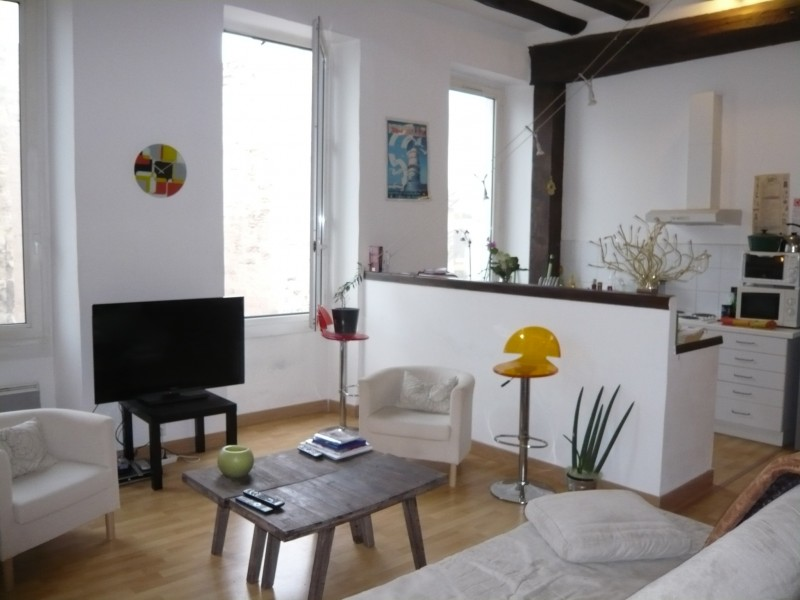 Location APPARTEMENT T2 MARSEILLE 13007 - QUARTIER SAINT VICTOR 7ème - BEAUCOUP DE CHARME - T2/3