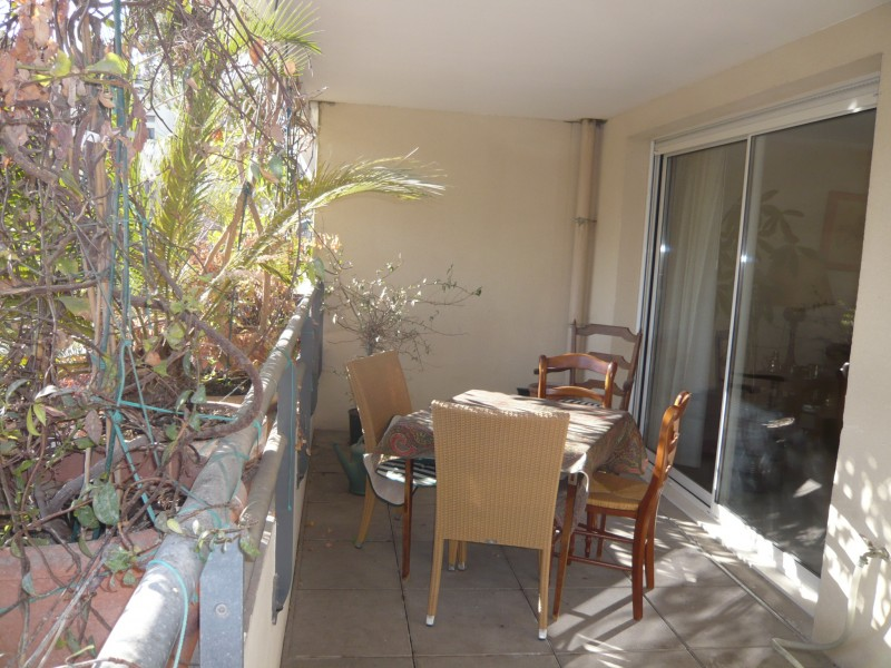 Locations appartement t3 f3 marseille 13007 proximit for Appartement terrasse 13007