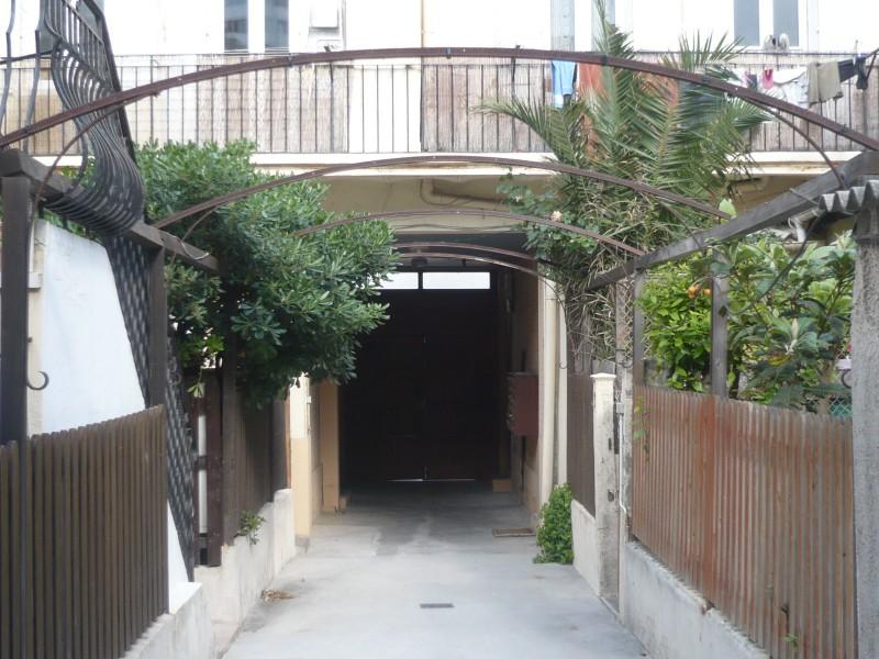 Location APPARTEMENT T2 - MARSEILLE 13007 - VALLON DES AUFFES / CORNICHE