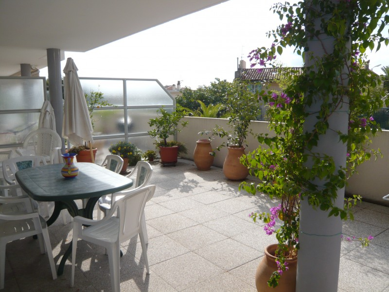 Locations appartement t2 f2 toulon 83000 r sidence les for Location appartement marseille terrasse