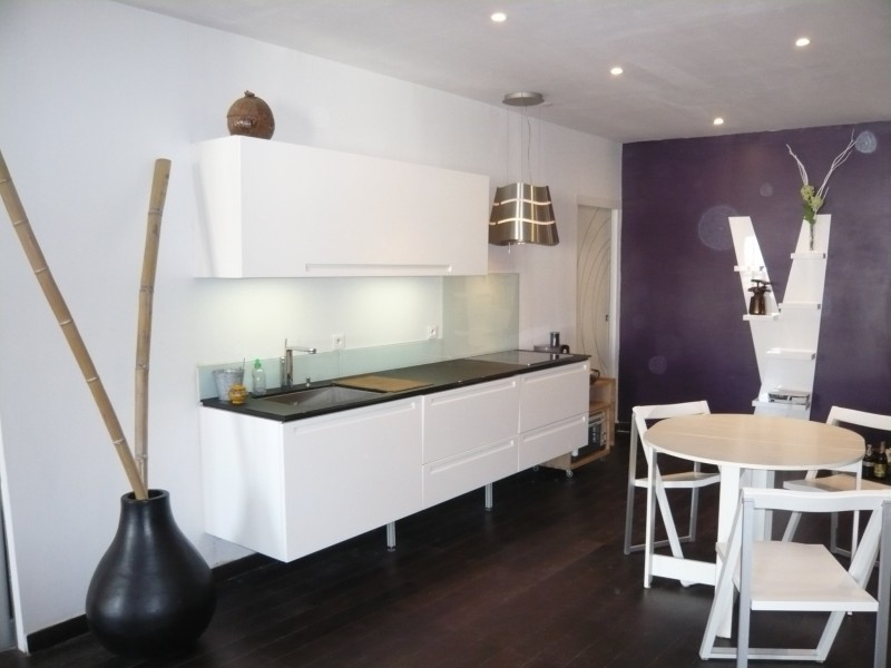 Locations appartement t2 f2 marseille 13001 place for Meubles pour cuisine equipee