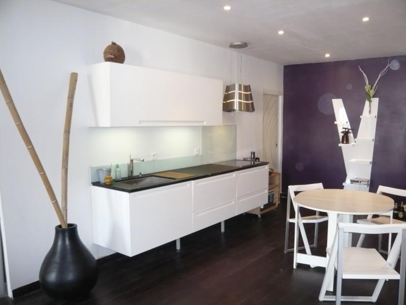 locations appartement t2 f2 marseille 13001 place thiars vieux port meubl r nov. Black Bedroom Furniture Sets. Home Design Ideas