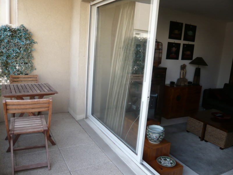 Locations appartement t2 f2 marseille 13006 lodi for Location appartement meuble a marseille