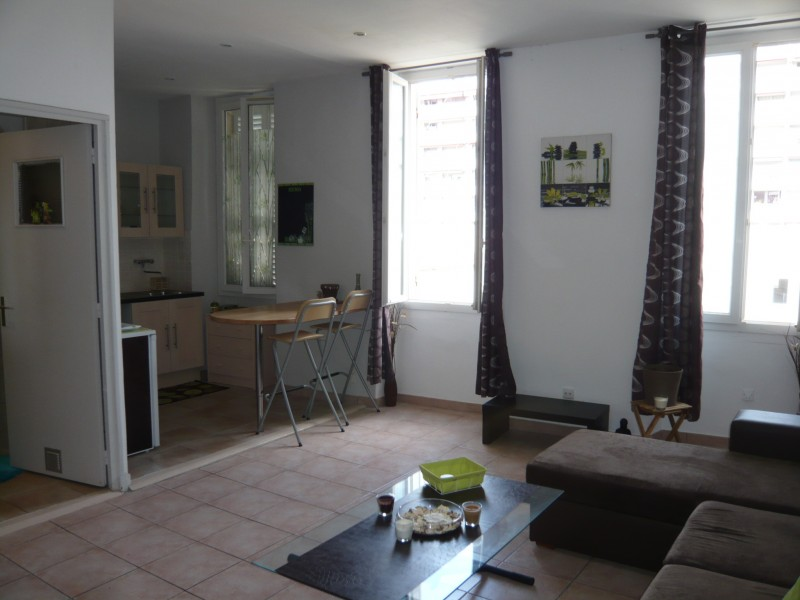 Locations appartement t1 f1 marseille 13007 quartier for Location appartement meuble a marseille