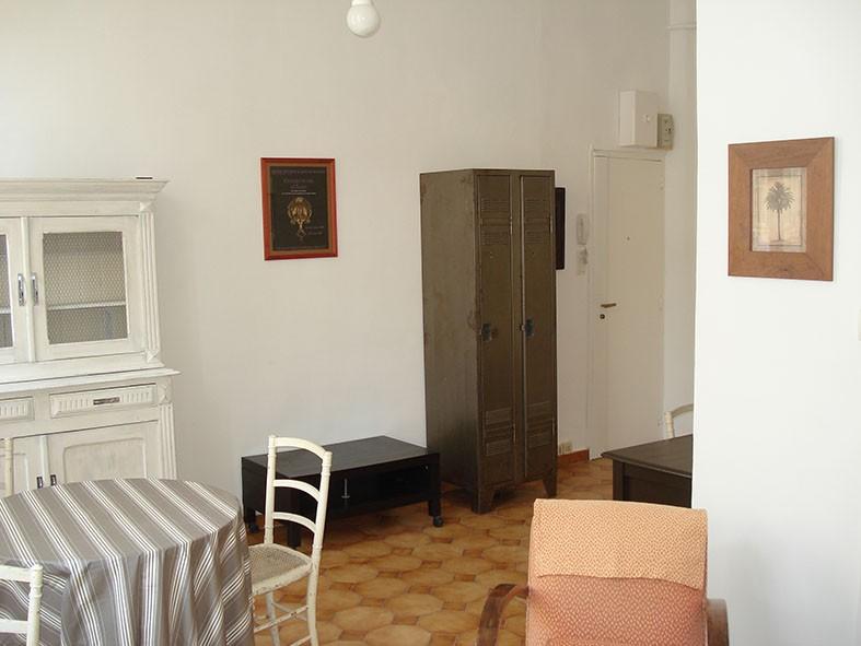 locations appartement t2 f2 marseille 13007 quartier st victor meubl quip lumineux. Black Bedroom Furniture Sets. Home Design Ideas
