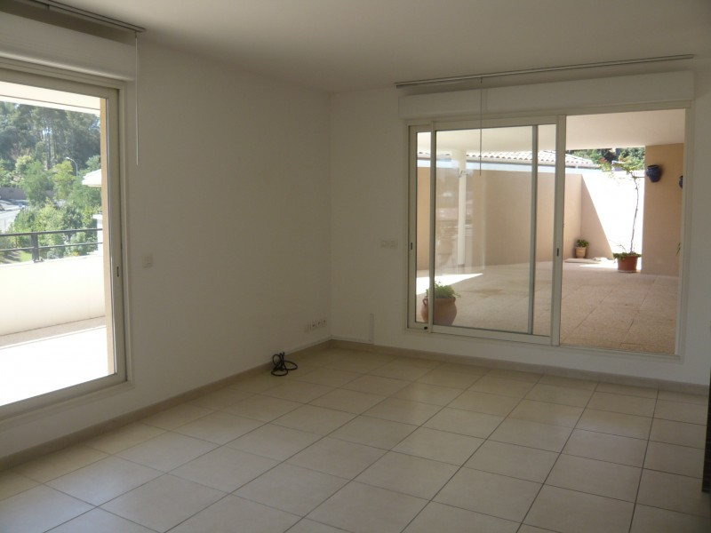 Locations appartement t4 f4 marseille 13013 quartier for Climatisation appartement
