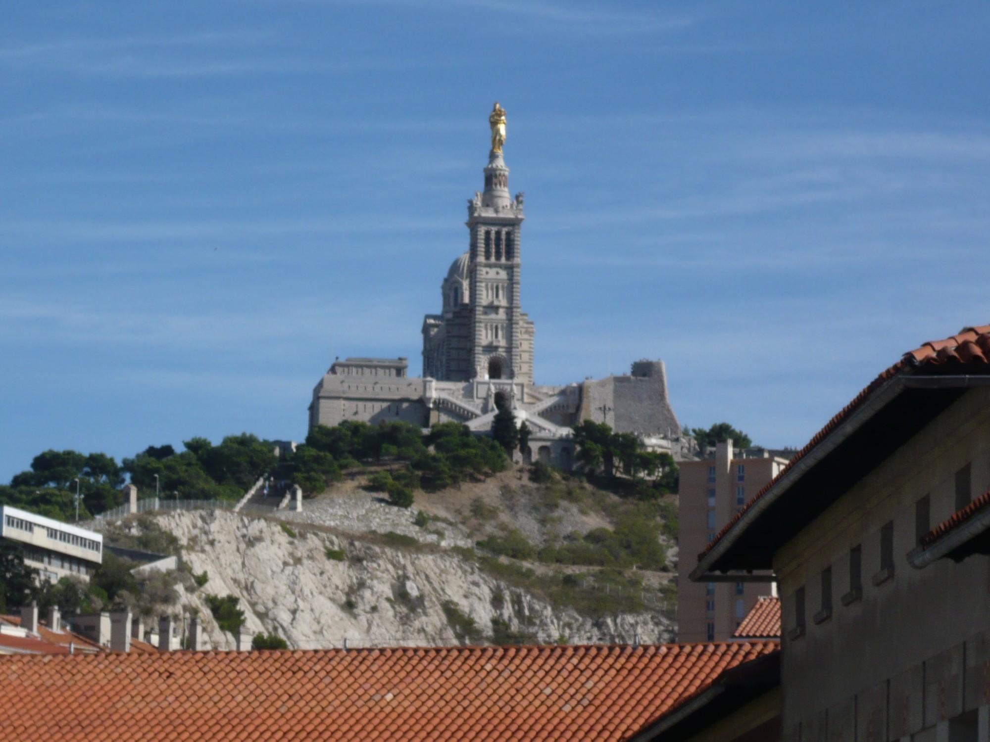 Location APPARTEMENT T2 Marseille 13007, Quartier Saint Victor,  Spacieux, vue dégagée, cave, dressing