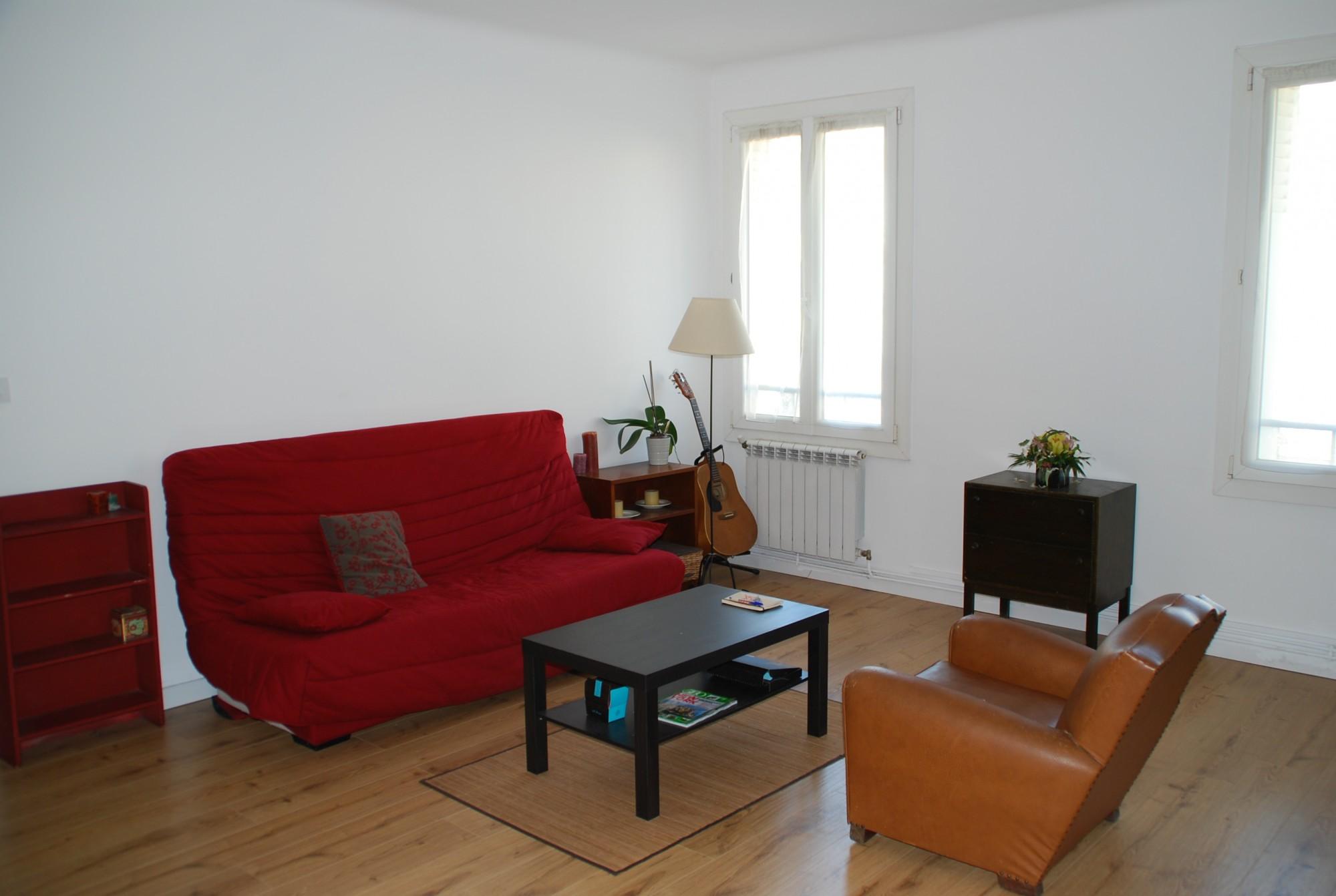 Location APPARTEMENT T2 - Marseille 13007, rue du Petit Chantier - Quartier Saint Victor, proximité centre ville et Vieux Port - Meublé, cuisine équipée, parquet, double vitrage