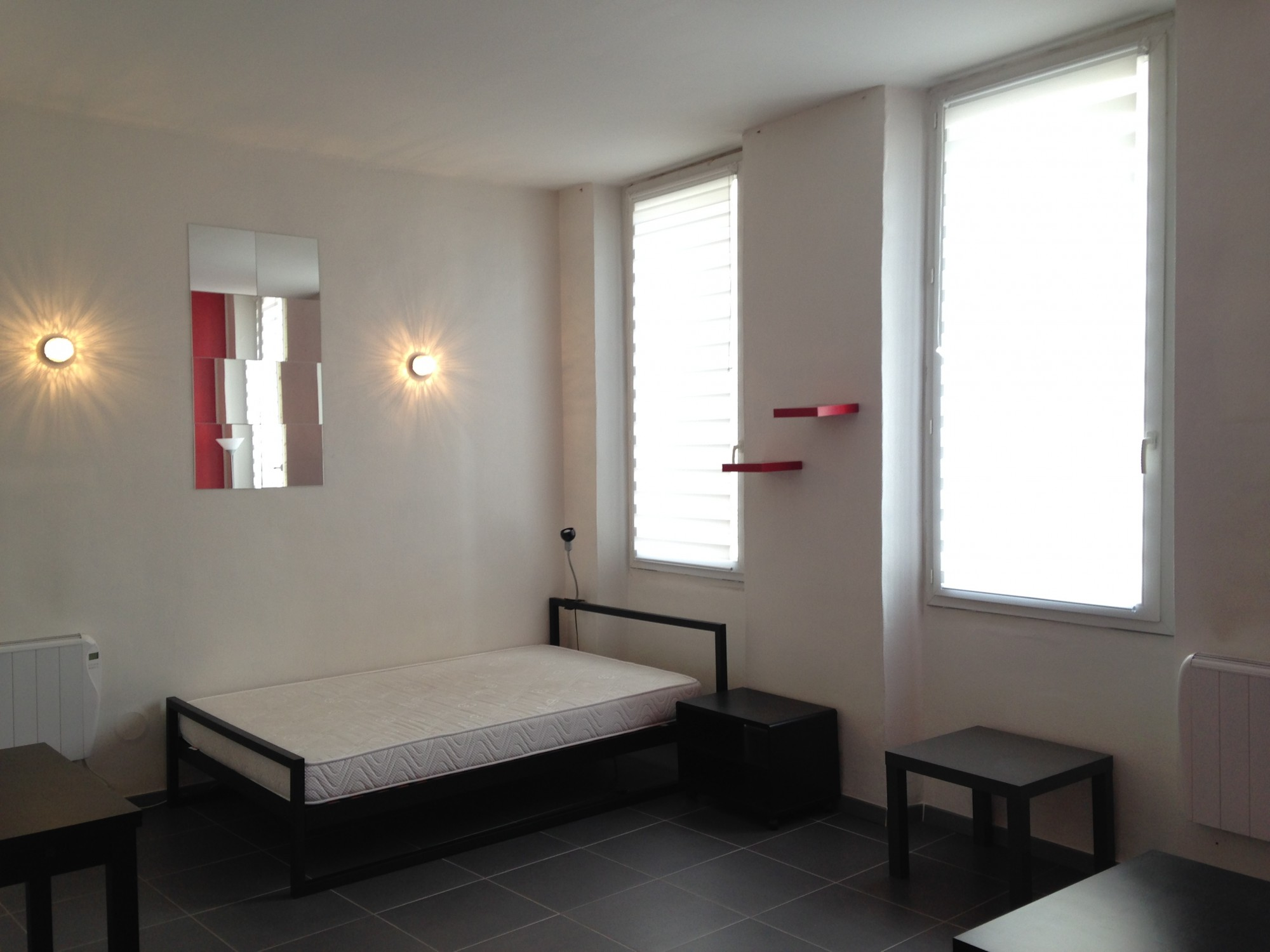 Locations appartement meubl t1 f1 13006 rue auguste for Appartement meuble location
