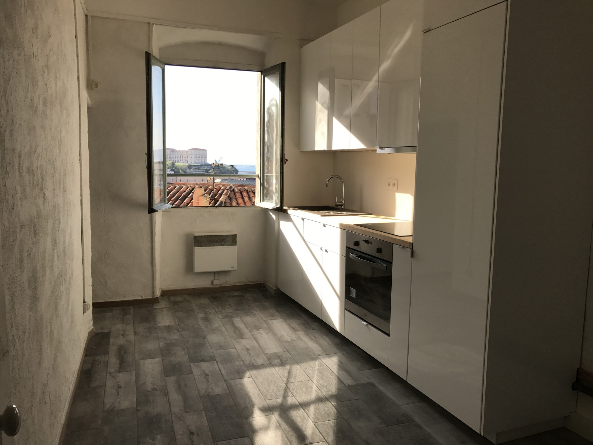 Locations appartement t1 f1 13007 quartier st victor for Location appartement sans agence immobiliere