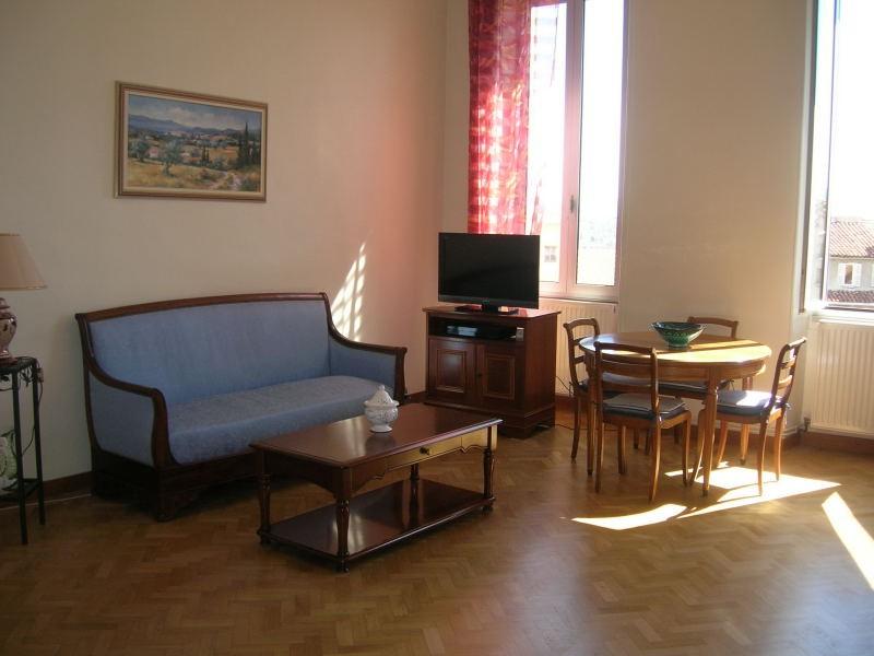 Vente Appartement T4 - MARSEILLE 13006  - BD ANDRÉ AUNE - IMMEUBLE BOURGEOIS / LUMINEUX
