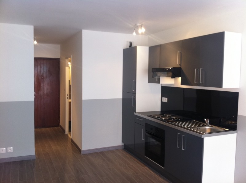 Ventes appartement t1 f1 marseille 13008 quartier du for Une cuisine equipee