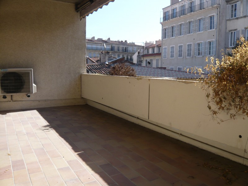 Ventes appartement t3 f3 marseille 13007 st victor for Terrasse marseille vente