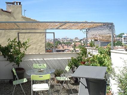 ventes maison t5 f5 marseille 13004 quartier bas montolivet cuisin equip e terrasse bon. Black Bedroom Furniture Sets. Home Design Ideas