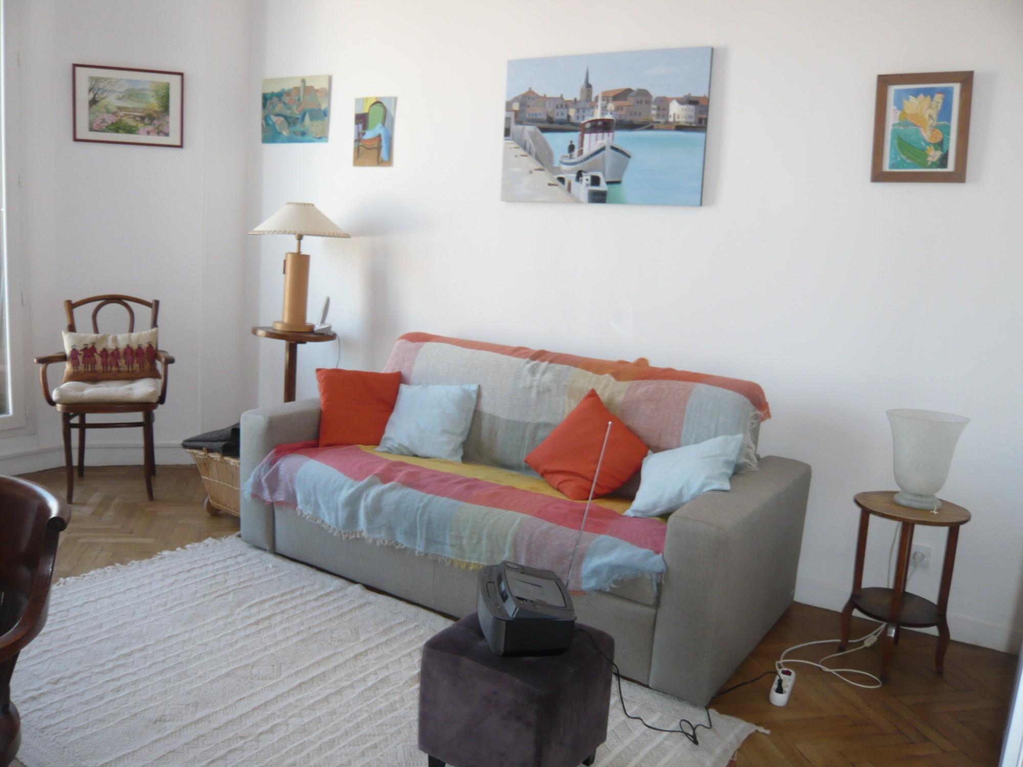 Vente   T3 Marseille 13007 Quartier Saint Victor Belles prestations, traversant, vue dégagée, proximité centre ville et Vieux Port
