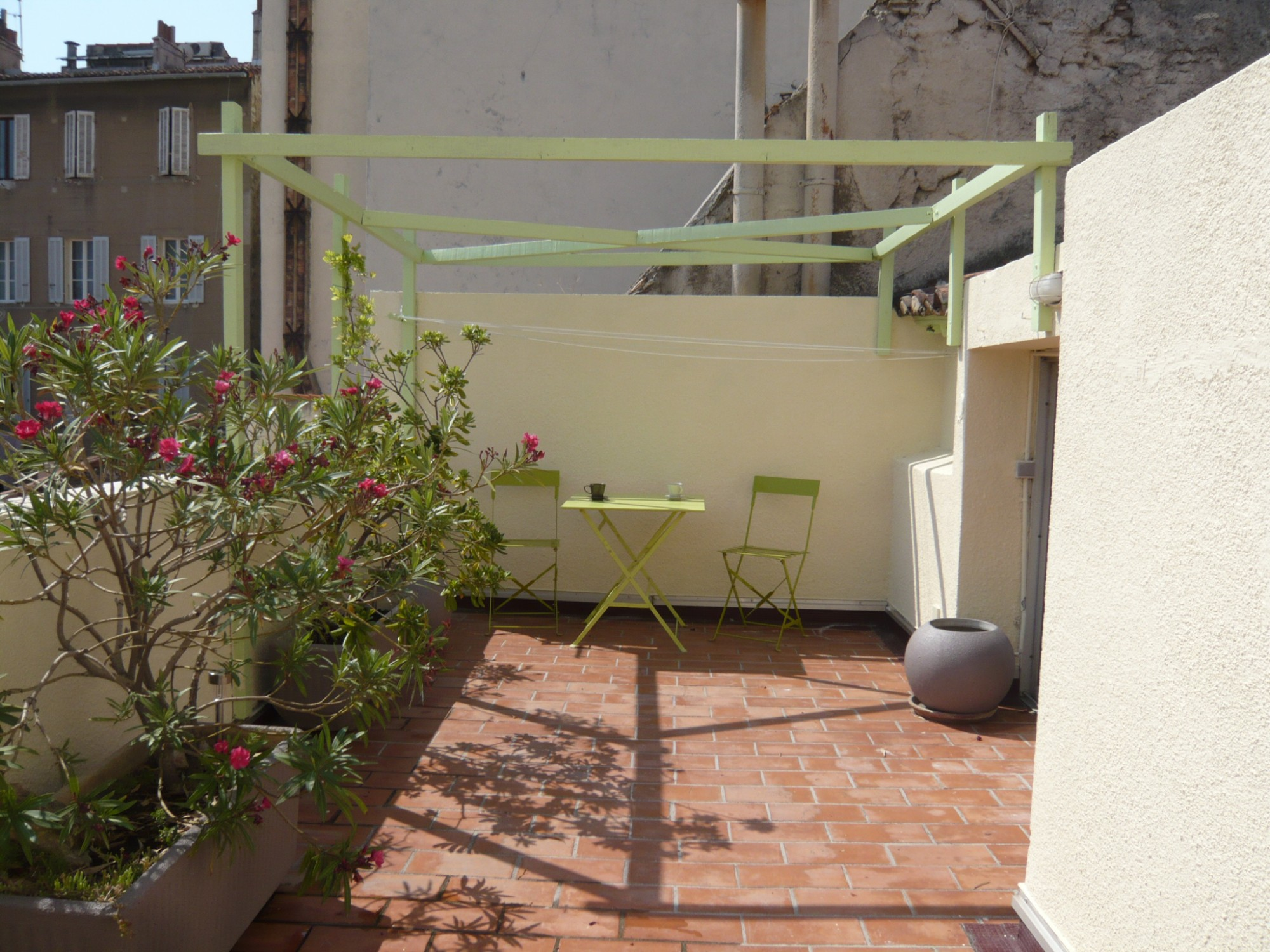 Ventes appartement t2 f2 marseille 07 quartier saint for T2 marseille terrasse