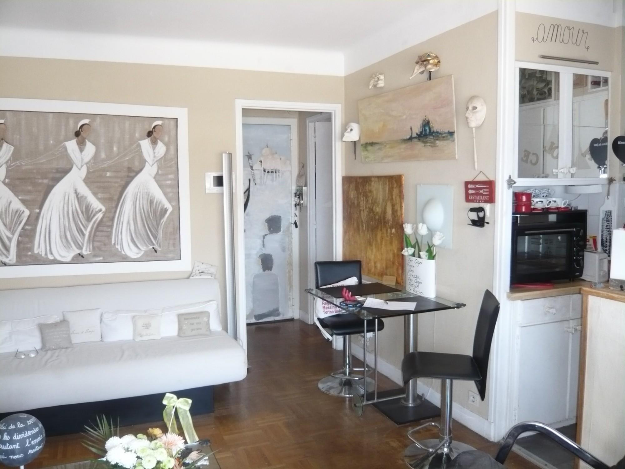 ventes viager t2 f2 marseille 13007 quartier des catalans viager occup bouquet de 45000 avec. Black Bedroom Furniture Sets. Home Design Ideas