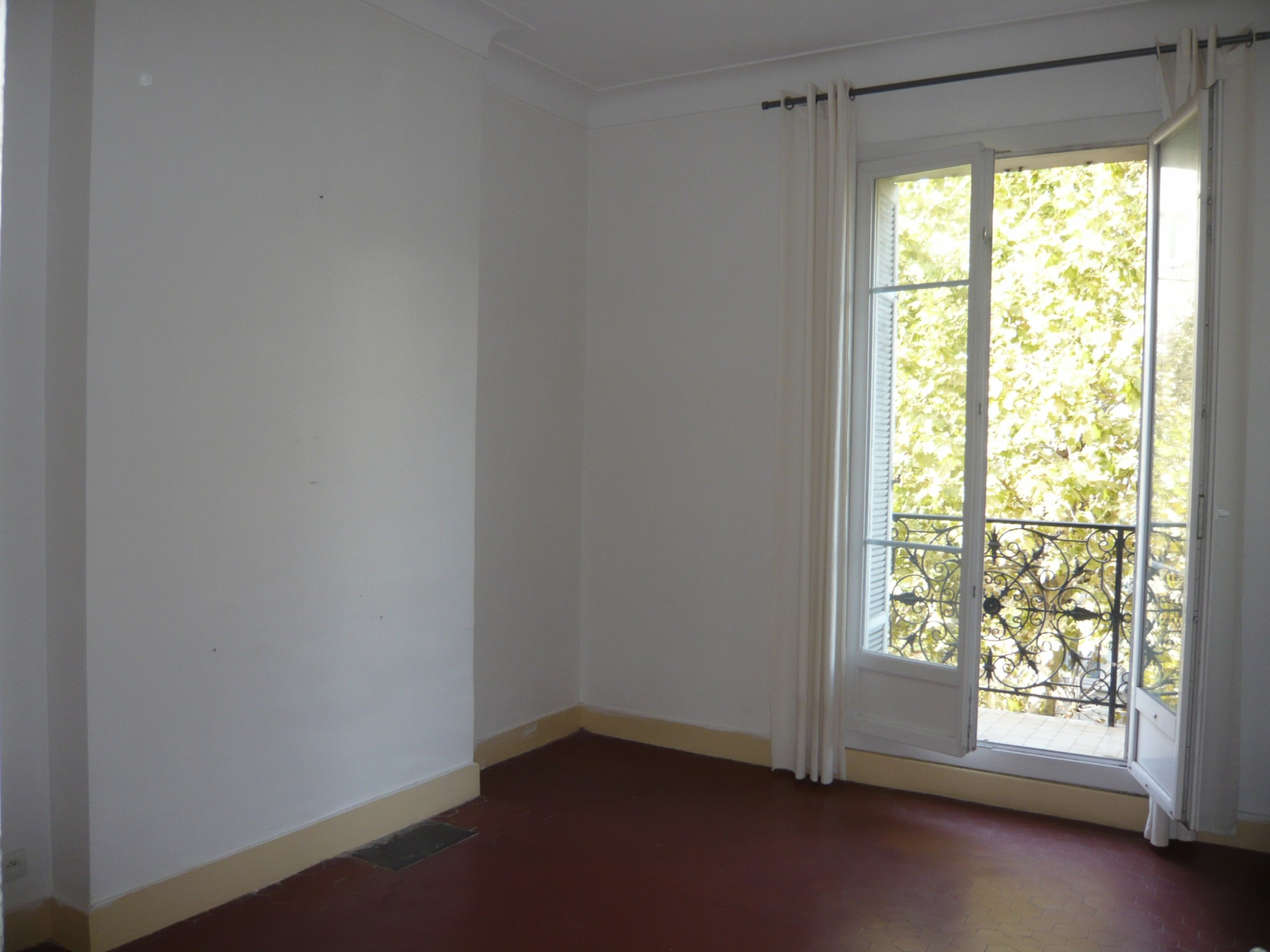 Ventes appartement tt2 ft2 marseille 13007 quartier for Appartement terrasse 13007