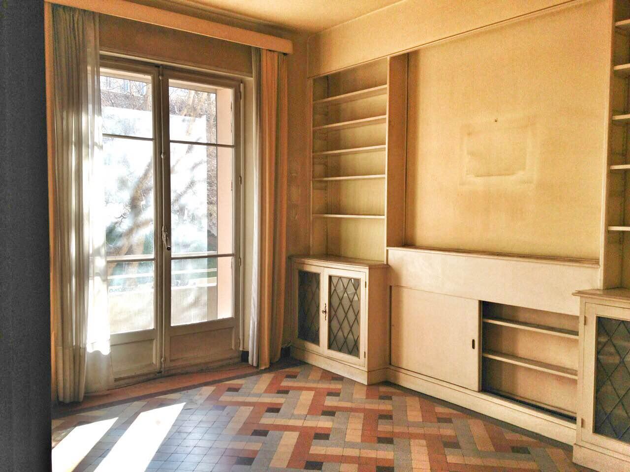 ventes appartement t5 f5 marseille 07 quartier saint. Black Bedroom Furniture Sets. Home Design Ideas