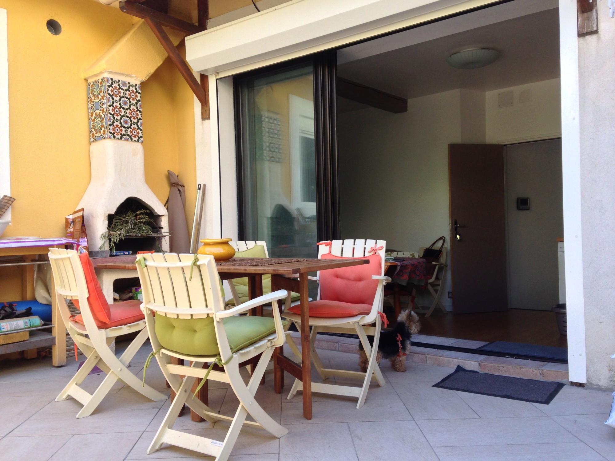 Vente MAISON T5 -13007 - Quartier Samatan - Rénovée, calme, lumineux, T2 indépendant, garage ...