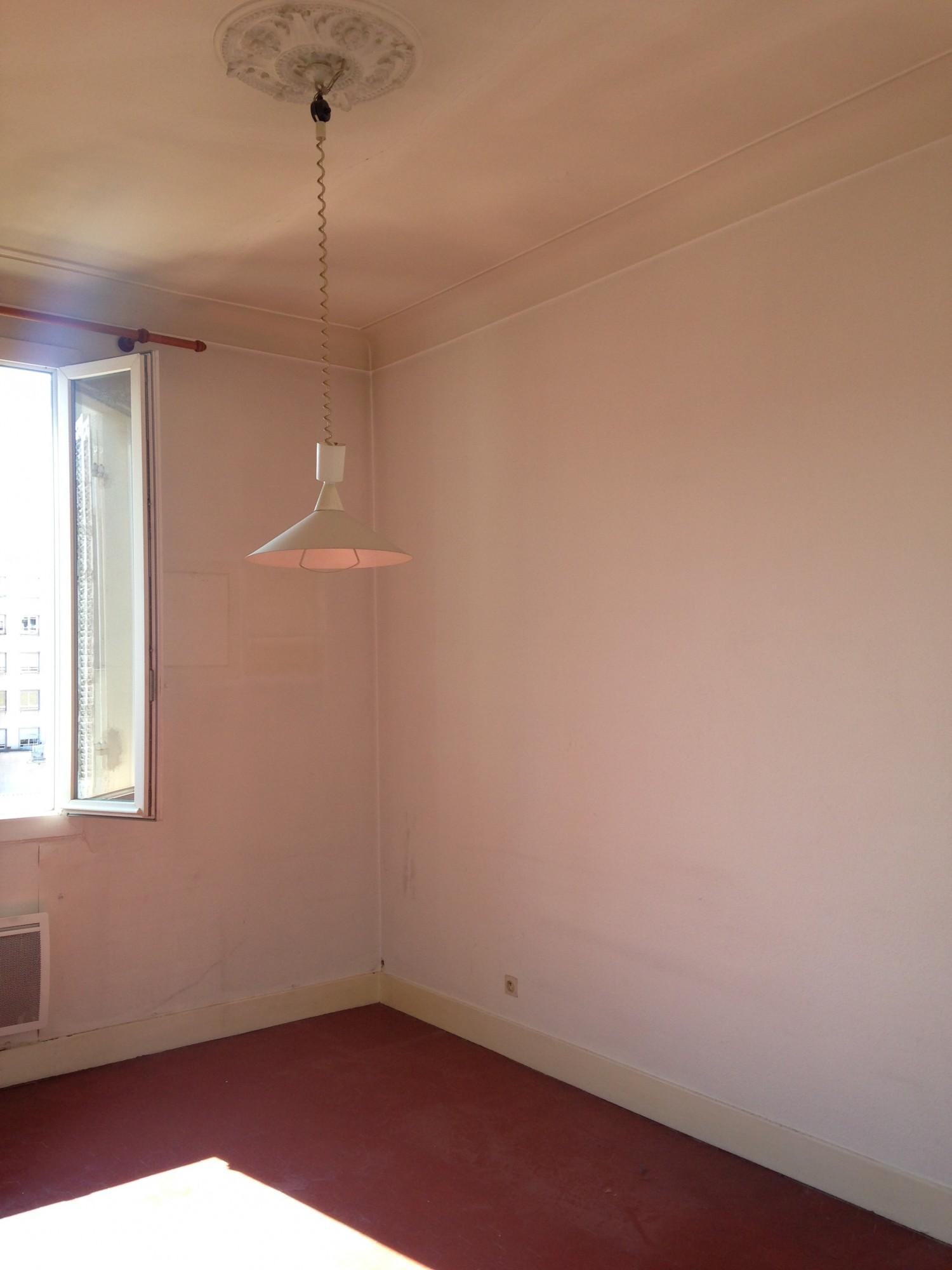 Vente Appartement T2 -13007 - Quartier St Victor, avenue de la Corse  - Balcon, cuisine séparée, dressing, vue dégagée ....