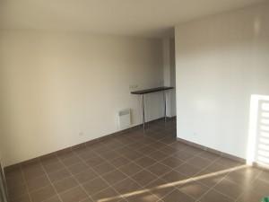 Location APPARTEMENT T1 - Marseille 13002 - Quartier Joliette -  Balcon/Loggia de 11M2