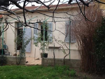 Location MAISON / VILLA T4/5 - 13010 - Proximité St Loup (Boulevard des Marroniers) - 2 niveaux, terrasse et jardin, calme, cuisine équipée, double vitrage, cave ...