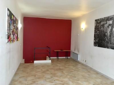 Location LOCAL COMMERCIAL / PROFESSIONNEL T2 - 13007 - Endoume  / St Victor - 2 niveaux  RdC sur rue et R-1