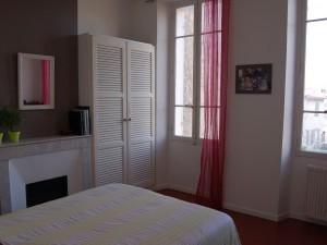 Vente Appartement T3 - MARSEILLE 13007 - BOMPARD - ENDOUME - TRAVERSANT, PEU DE CHARGES, CUISINE ÉQUIPÉE, CHEMINÉE, CALME