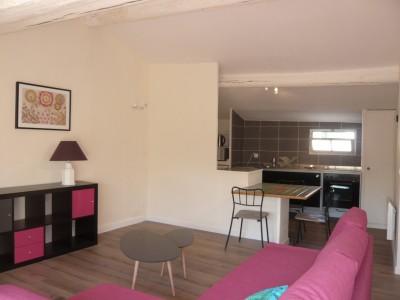 Vente Appartement T2 MARSEILLE 07 Quartier Saint Victor, Terrasse, dernier étage, poutres, parquet, cuisine équipée....
