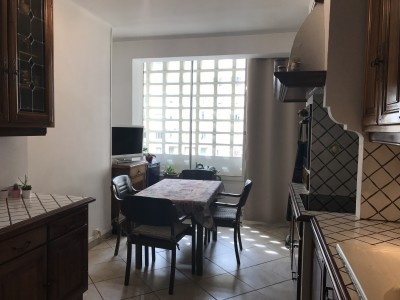 Vente Appartement T 4/5 - 13008 - Lord Duveen / Prado - Beaux volumes, cuisine équipée, local à vélo, cave ...
