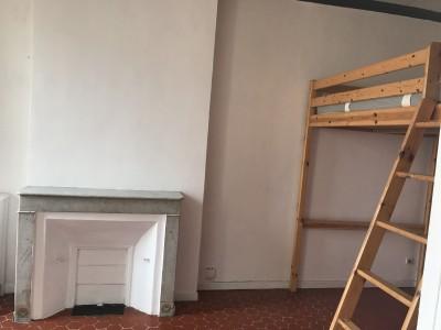 Vente Appartement T1 - 13006 - Notre Dame du Mont, rue Fontange - Dernier étage, cuisine séparée, immeuble ancien ...