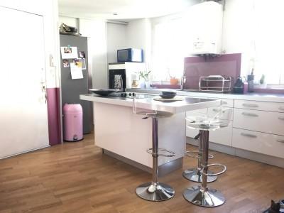 Vente Appartement T2 - Marseille 13006 - Palais de Justice / Vieux Port - Cuisine équipée, dressing, tomettes, cheminée, double vitrage ...